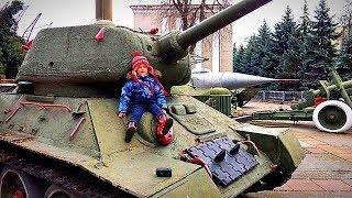 Военные машинки железные и Гришка хулиган Военная техника для детей Видео про Пушки и Танки детские