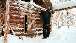 Build log cabin in taiga. Making a window. Cooking on the fire. Part III