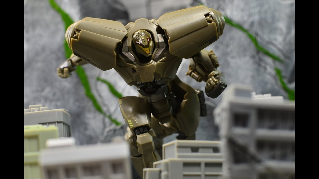 Robot Spirits Side Jaeger Pacific Rim Uprising: Bracer Phoenix Review