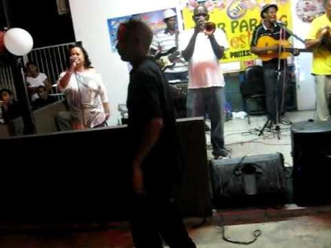 """ReAL!"",the band;@SAFELANDINGBAR ,St.Helena Village ,Piarco:ftRuthven lazama ""salgan paranderos"""