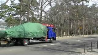円山動物園のライオン、げんきを搬送する様子。 げんき、ゆうきが旅立っ...