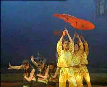 CHinese dance Umbrellas