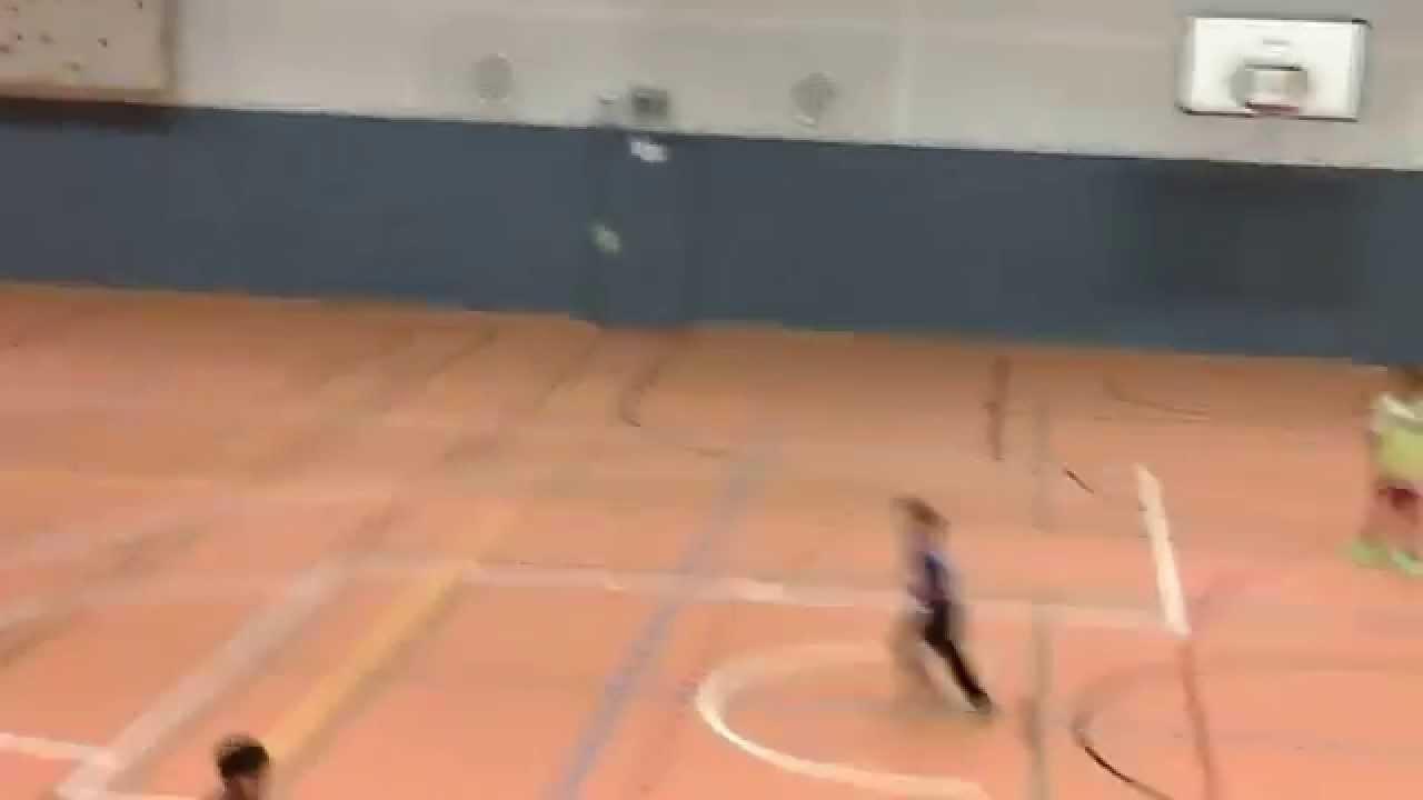 Футбол на куличках - YouTube