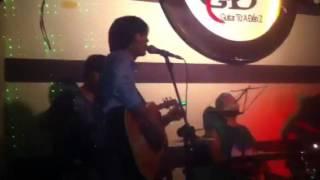 Mua dan guitar - Mua đàn guitar - Ban dan guitar (13-8-13)