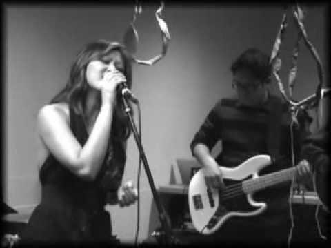 Kristine Sa - Thì Thầm Mùa Xuân (live slow rock version 2009)
