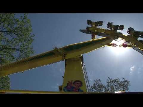 Передвижной комплекс развлечений открылся в городском парке города Новокубанска.