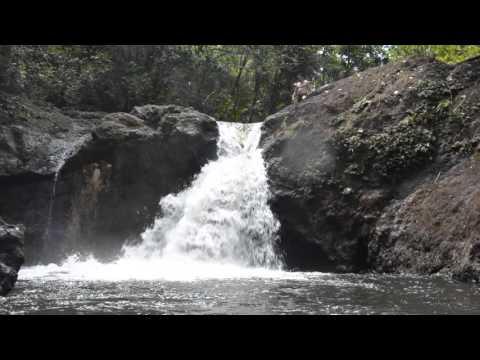 Cascada del parque Nacional Alejandro de Humboldt