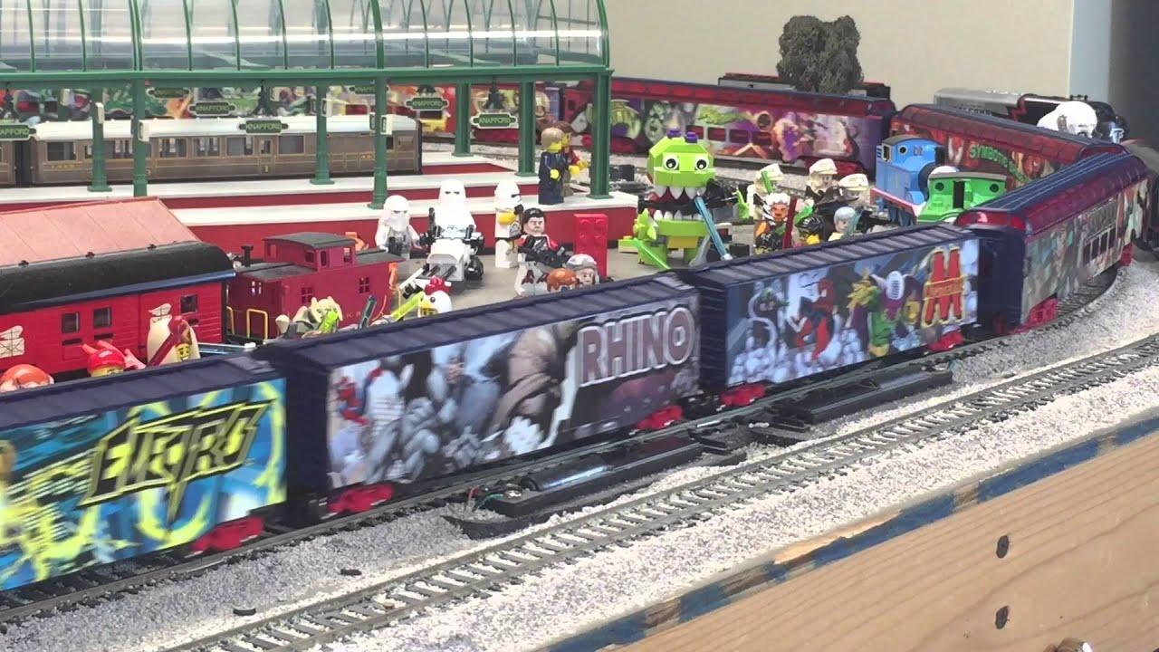 SPIDER-MAN TRAIN with Villain Cars BACHMANN HO Scale Passenger & Freight  Trains