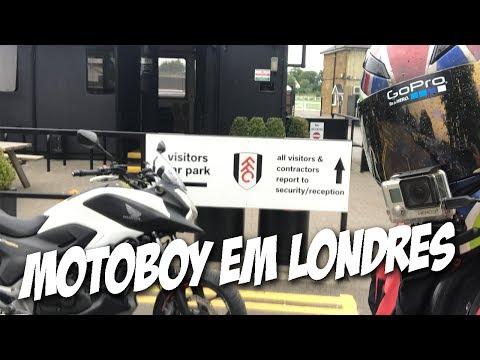 COLETANDO NO CAMPO DE TREINAMENTO DO FULHAM FC | MOTOBOY NA INTEGRA | MOTO filmadores UK