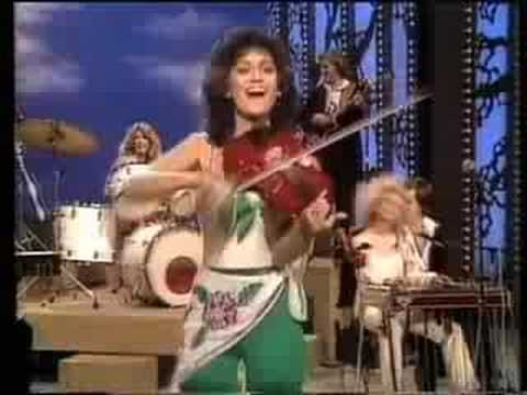 The Mandrell Sisters-Medley