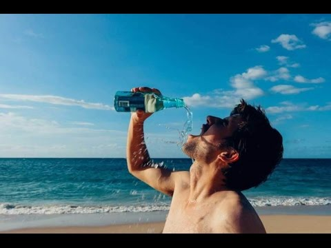 Tomar agua de mar para bajar de peso