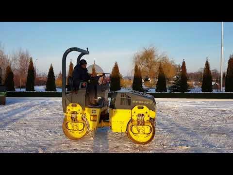 Дорожный  тандемный каток Bomag BW120. На площадке в Украине