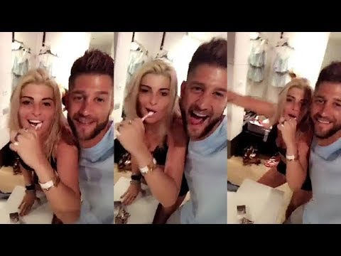 paga et melanie en couple apres sa rupture avec adixia lmvsmonde2 youtube. Black Bedroom Furniture Sets. Home Design Ideas