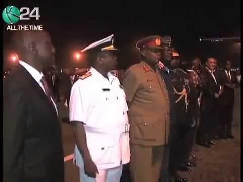 """""""Bibi Ya Ruto aache kumangamanga"""" says Uhuru"""