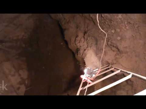 Collapsing of bulk material inside hoppers (bins/silos). Обрушение сыпучих материалов в бункерах.
