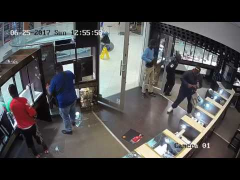 20170728 Armed robbery at jewelry store