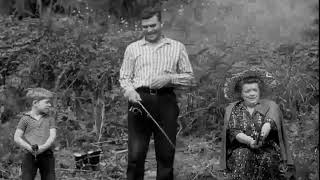 Video Aunt Bee Fishing - The Andy Griffith Show (Season 1 Episode 1) download MP3, 3GP, MP4, WEBM, AVI, FLV Juli 2018