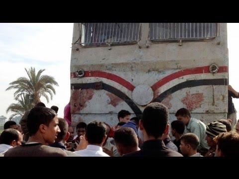Dozens killed in Egypt bus crash