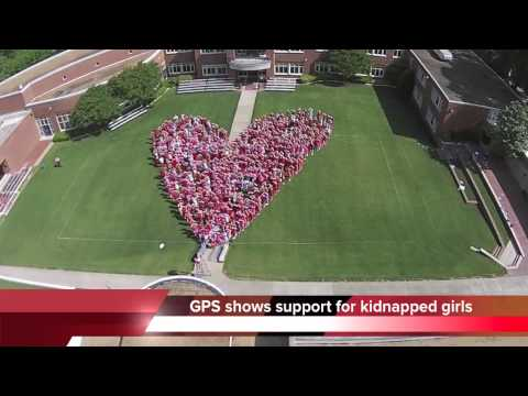Girls Preparatory School in Chattanooga forms giant heart