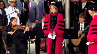 "Opera Singer Renée Fleming sings ""America the Beautiful"" 