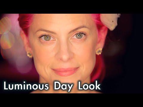 How To Achieve a Light & Luminous Day Look with TARINA TARANTINO