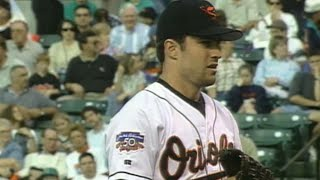 Mussina hurls one-hitter against Indians