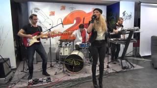 Lora - Arde ( LIVE @ RADIO 21)