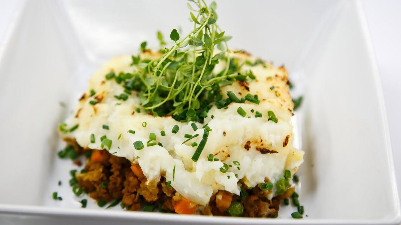 Chef Vikkis Vegetarian Shepherds Pie with Cauliflower Mash
