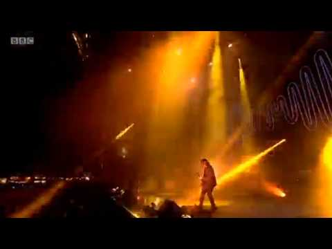 Arctic Monkeys - Old Yellow Bricks & When The Sun Goes Down live @ Reading Festival 2014