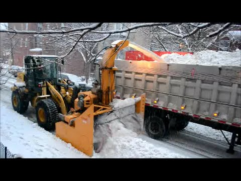 DETAILED SNOW REMOVAL OPERATION IN MONTREAL CANADA
