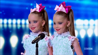 5 year old twins! Australia's Got Talent