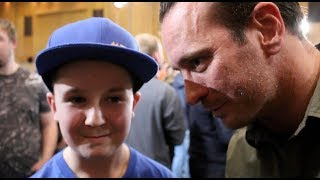 KALLE SAUERLAND INVITES YOUNG FAN RINGSIDE TO GROVES-EUBANK -AFTER HE WAS CAUGHT UP IN CROWD TROUBLE