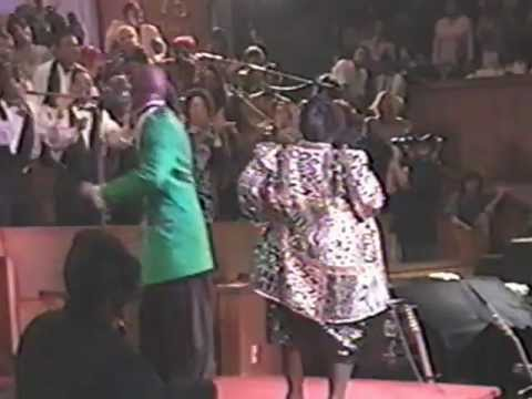 I Feel The Spirit Moving - Ricky Dillard & the New Generation Chorale