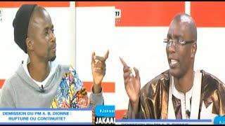 Jakaarlo - Mbarka Ba arrête Fou Malade et lui réplique