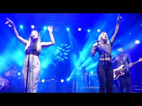 Maddie & Tae - Slow Hands (HD) - Koko - 24.08.17