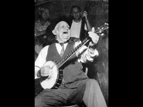 Uncle Dave Macon-Rise When The Rooster Crows