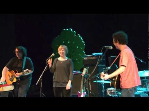Yo La Tengo - Is That Enough (live at Volksbühne in Berlin)