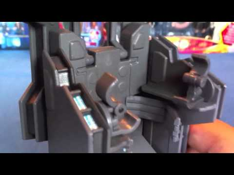 Doctor Who figure review - River Song with Pandorica Chair (SDCC 2011 Exclusive)