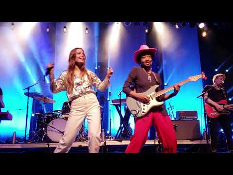 """""""Alaska"""" ~ Maggie Rogers Ft. Melanie Faye (Live From The Front Row)"""