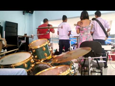 Bandinha canta Vamos Celebrar (Ministério Amor e Adoração)