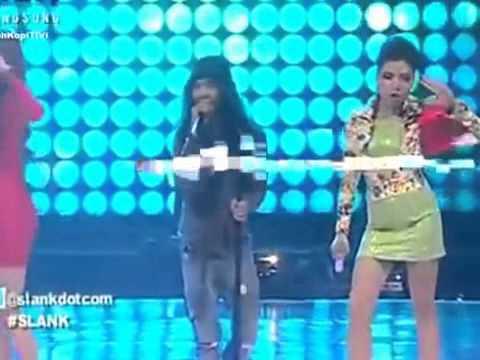 Slank Feat Vicky Shu dan Aura kasih