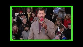 Andy grammer slays his performance of 'freeze' at macy's thanksgiving day parade