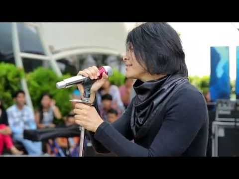 IMS - Penampilan Gigi menyanyikan lagu Facebook