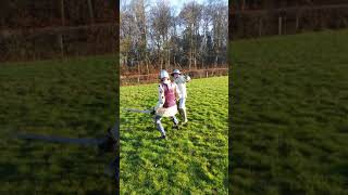 Medieval Combat Society Jan : dual swords, in a corner of an English field