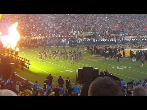 Super Bowl 50 Halftime Show - Coldplay,...