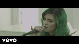 Смотреть клип Phoebe Ryan - Aspirin