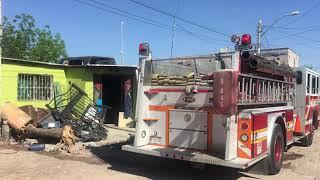 Incendio de basura y pasto en patio de domicilio movilizó a bomberos a la Nuevo Triunfo