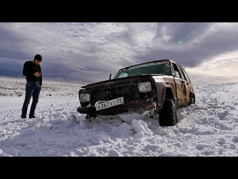 Front-wheel drive with chains is better than the Pajero on huge wheels!!!