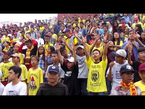 Sriwijaya Mania Beraksi Saat Sriwijaya FC Melawan Persiba
