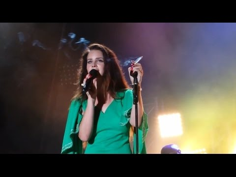 Lana Del Rey - Old Money (Live at Vida Festival, Barcelona) HD 1080p